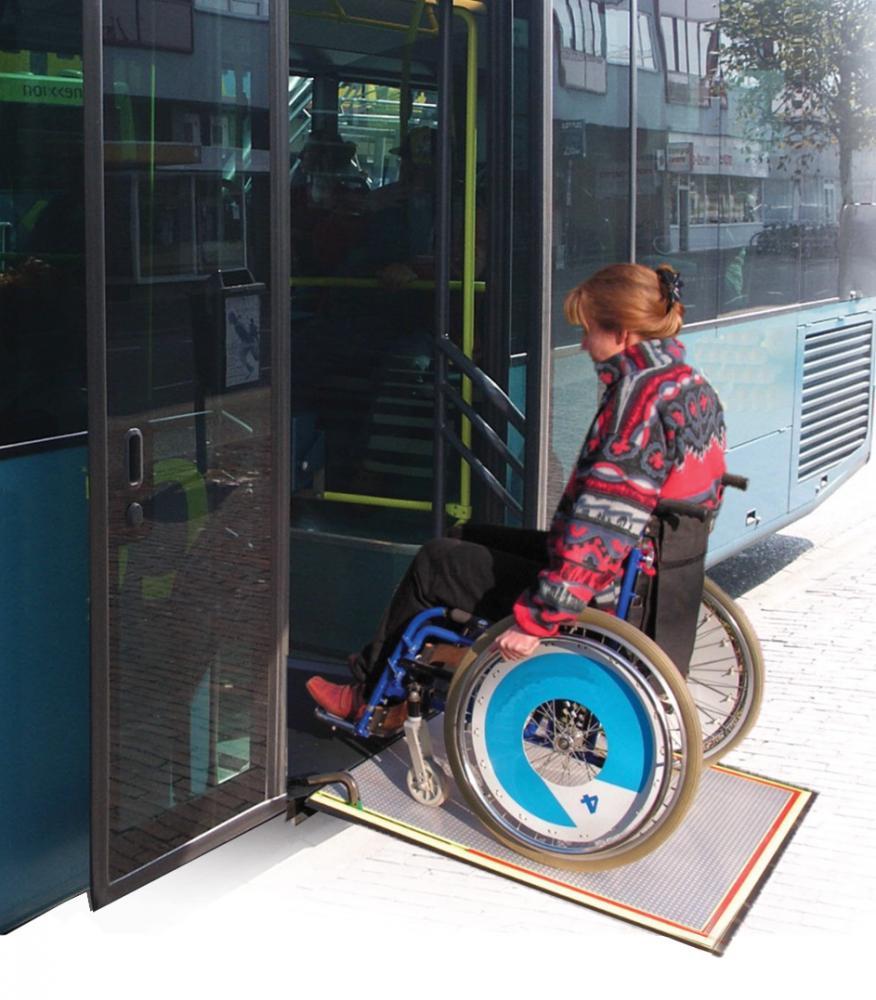 Low-floor City Bus Automatic Ramp